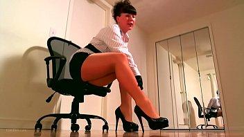 Leggy pantyhose femdom using JOI