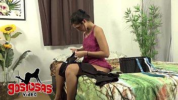 Dona de casa enganando marido - CÚsturando para fora