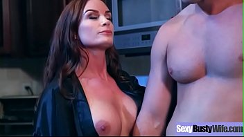 (Diamond Foxxx) Sluty Housewife With Big Tits Love Sex movie-11