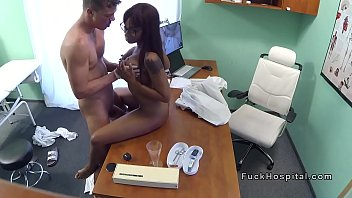 Doctor with hard dick bangs ebony patient