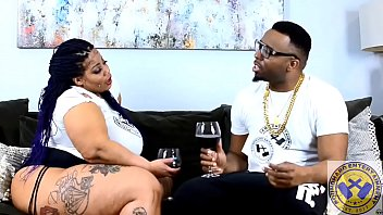 JAE-LEGEND OF @poundhardent Interviews A Huge Latina Bbw Donk Model.