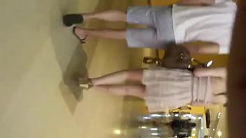 váy trắng quần xì trắng