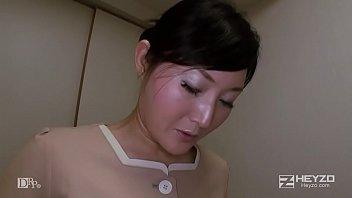 ベテラン女マッサージ師の裏サービス - 恵美 1