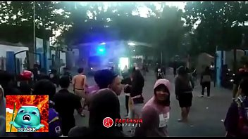 BAKU HANTAM SUPORTER LIGA INDONESIA PART 1 (PERSIK vs PSIM)