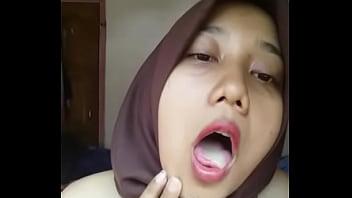 Indonesian Malay Hijabi Horny 02