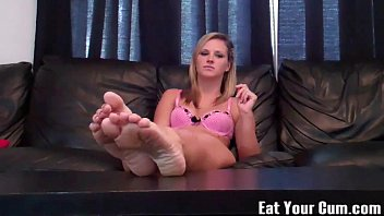 Dacy wants you to cum for feet CEI