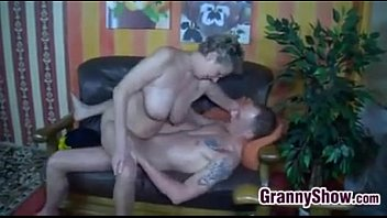Granny With Glasses Wants To Be Fucked Vorschaubild