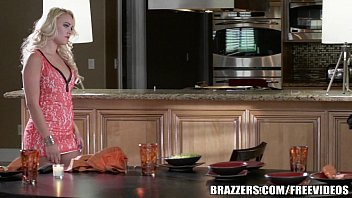 Brazzers - Alexis Monroe gets fucked in the kitchen