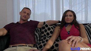 Cassie del Isla découvre la pluralité avec son mari