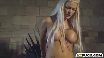 Huge boobs pornstar Peta Jensen banged by her majestic