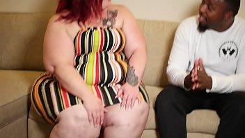 Nikki Cakes gives handjob to Poundhard