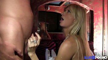 Fuckfest in a swinger club [Full Video] illico porno