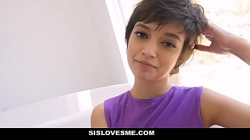 Miss me lick me kiss me - Sislovesme - seduced and groped by stepsis