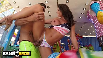 BANGBROS - Franceska Jaimes Attends The Carnival, Gets Anal On Merry Go Round