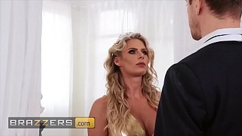 Horny milf (Phoenix Marie) jumps all over that dick - Brazzers thumbnail