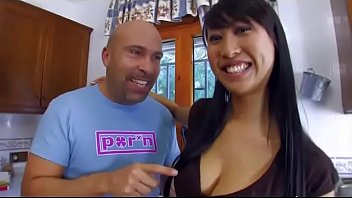 Humor sexy espanol Cute young asian girl banged by a mature man