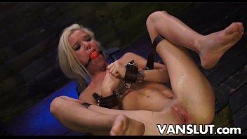 Blonde Halle Von Sex In The Back