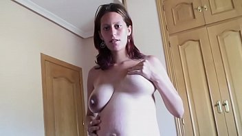 Follándome a una preñada