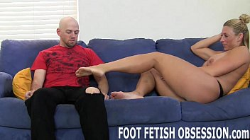 Why do i feel the need to suck my tongue How do my sexy little asian feet taste