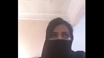 Arab Girl Showing Boobs On Webcam