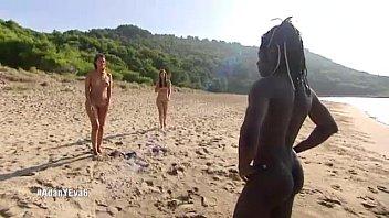 Naked man dressedwomen Adan y eva capitulo seis