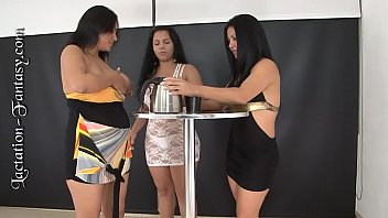 Lactating lesbian picture 1-pantera-nicol-carolina.hd720