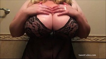 38gg boobs Blonde 26yr old bbw flashing 38gg boobs