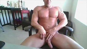 Gay bodybuilder galleries Daddy bodybuilder on web camera