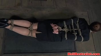 bound-bdsm-sub-gagged-before-nt-with-tools 7分钟