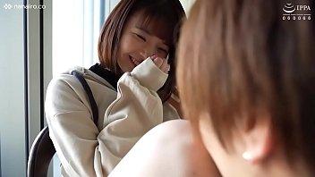 タツ/Erina/無意識に舌ペロ癖のある可愛い女の子がイケメンとエッチ♡喘ぎ声も可愛く!