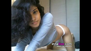 Cute 18yo old girl first time on cam - innalive.com