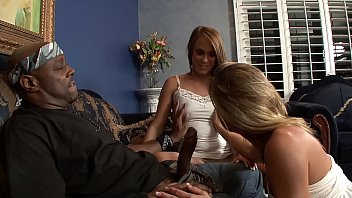 Young stepdaughter enjoys stepmom´s Big Black Boyfriend BBC in a threesome