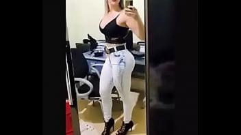Mujeres mas sexy de la tele - Con la policia tetona