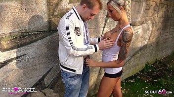 ▶▶ Jungfrau Typ bekommt seinen ersten Sex von Teen Deutsch Anni Angel im Park - German Teen ◀◀
