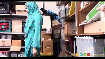 Arab Teen Audrey Royal Caught Shoplifting