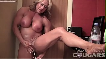 Adultfriend female finder mature Naked female bodybuilder masturbates her big clit vibrator