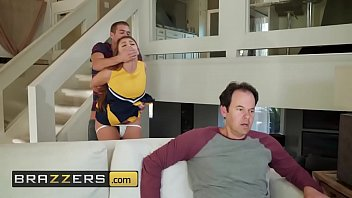 Louisville cheerleader nude - Teens like it big - gia derza, xander corvus - cheeky cheerleader - brazzers