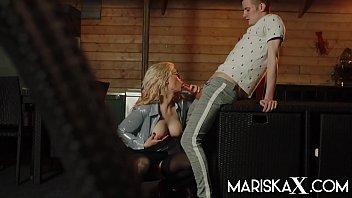 MARISKAX Hot MILF Tina plays while her husband is away