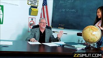 Teen girl fucks professor in the class