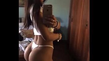 Natalia, tremenda morocha de Lanús