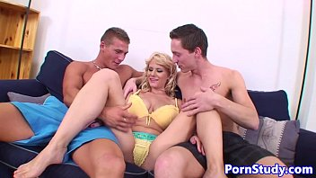 Bigtitted eurobabe fucked in threeway