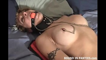 MILF Jesse hates her new pair of nipple clamps