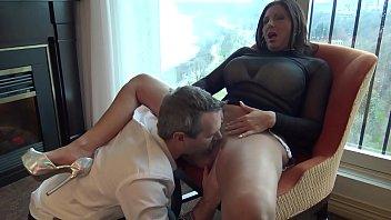 Huge tits milf Missy Gold hardcore sex in honeymoon suite part 1