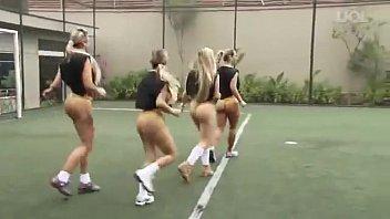 Бразилия футбол голые девки