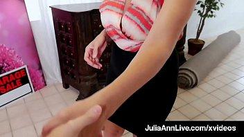 Horny Milf Julia Ann Gets House Sale By Giving Wet Blowjob! thumbnail