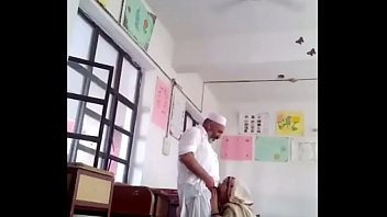 Afghani sex in maktab school.MOV Thumb