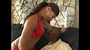 Light skinned ebony bitch does anal