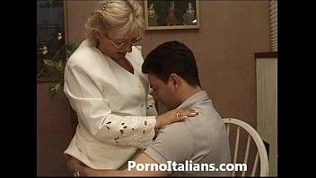 Mature Granny italian - nonna vogliosa di cazzo duro Matura italiana scopa