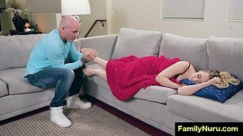 Foot massage turn into hardcore sex
