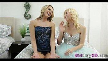 Lesbians enjoying themselves 0399